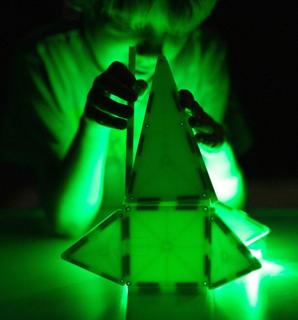 Magna-Tiles Magnetic Building Glow Tiles
