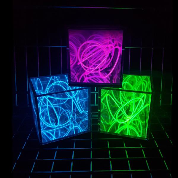 Pocket Universe Infinity Mirror Cube